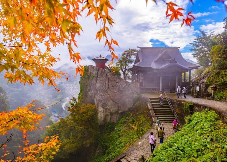 山形紅葉景點④神殿與楓葉巧妙的結合「立石寺(山寺)」