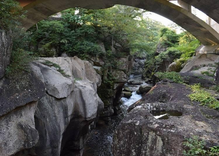 秋保溫泉景點①大受好評的戀愛景點「磊磊峽」