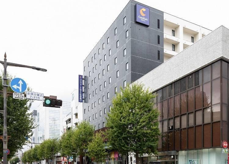 8. 컴포트 호텔 센다이 니시구치 : 전용 카페에서 느긋하게 보낼 수 있는 것이 매력