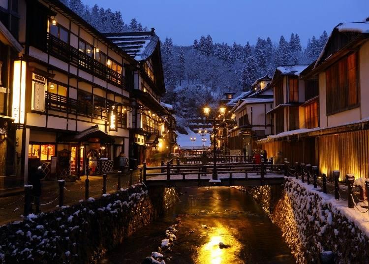 6:レトロな温泉街で冬の情緒を楽しむ「銀山温泉」(山形)