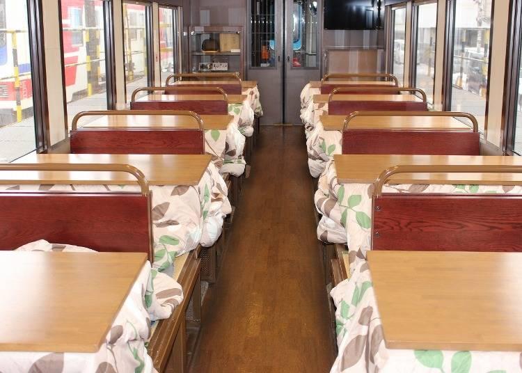 伝統的な「こたつ列車」と「洋風こたつ列車」、2つの魅力をご紹介