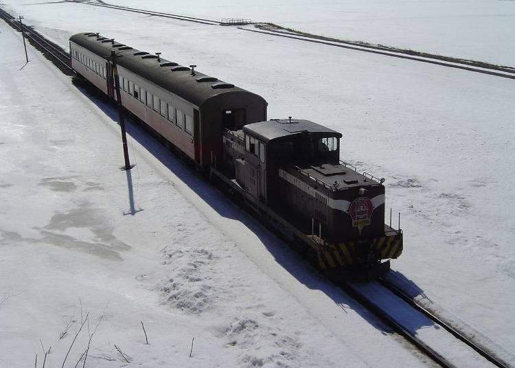 1. 津輕鐵道 暖氣列車(青森)