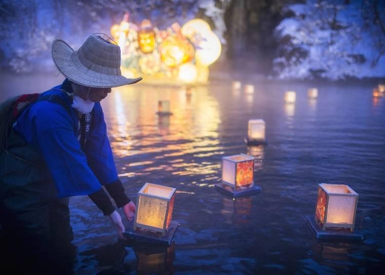 冬でもねぶた祭りの熱気を感じる、絶景雪見露天「ねぶり流し灯篭」