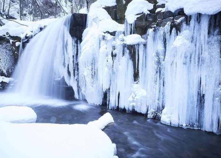 추위가 아름다운 예술을 만들어내는 '효바쿠노유'