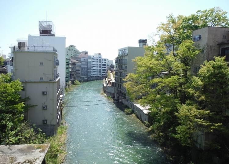 5. Fukushima Prefecture's Iizaka Onsen (Onsen Ryoko - Iizaka)