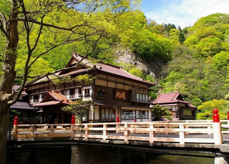 4. Aizu Higashiyama Onsen Mukaitaki (Aizuwakamatsu City, Fukushima Prefecture)