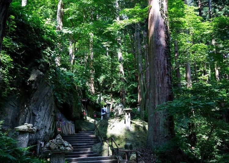 절벽에 세워진 사원, 호쥬산 릿샤쿠지