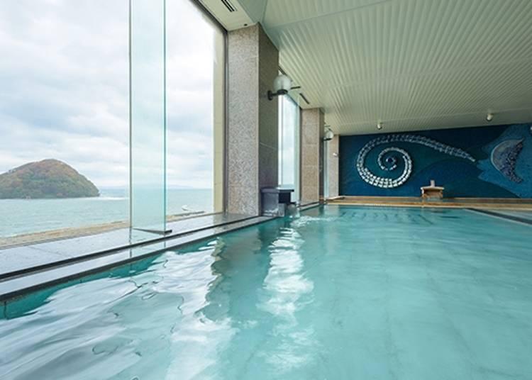 3)浅虫温泉:「東北の熱海」でオーシャンビューの風呂を楽しむ
