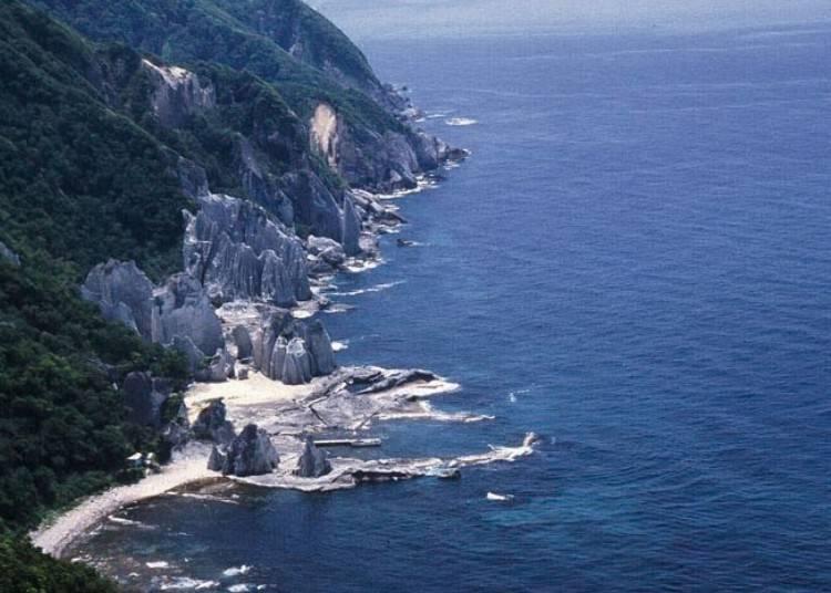 2. Aomori: Hotokegaura