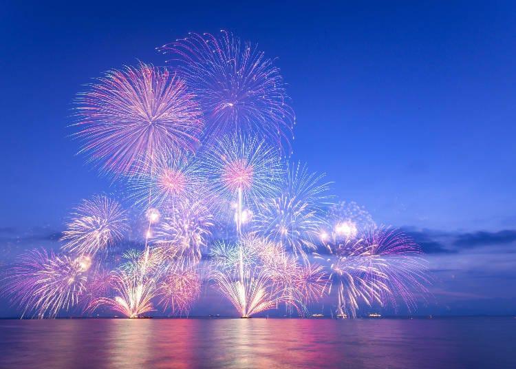 世界中で美しいと賞賛される日本の花火を見に行こう