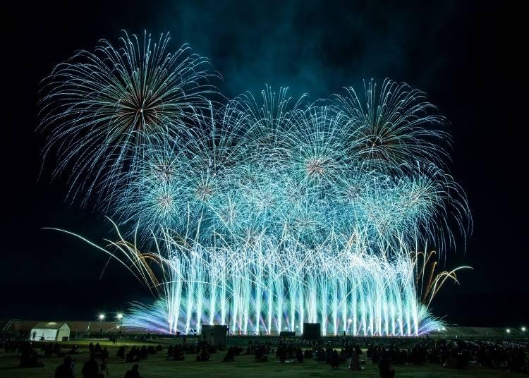 世界中からの観客参加型!新しい形の花火大会として開催