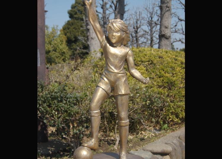 第9名:足球小将翼 日向小次郎铜像