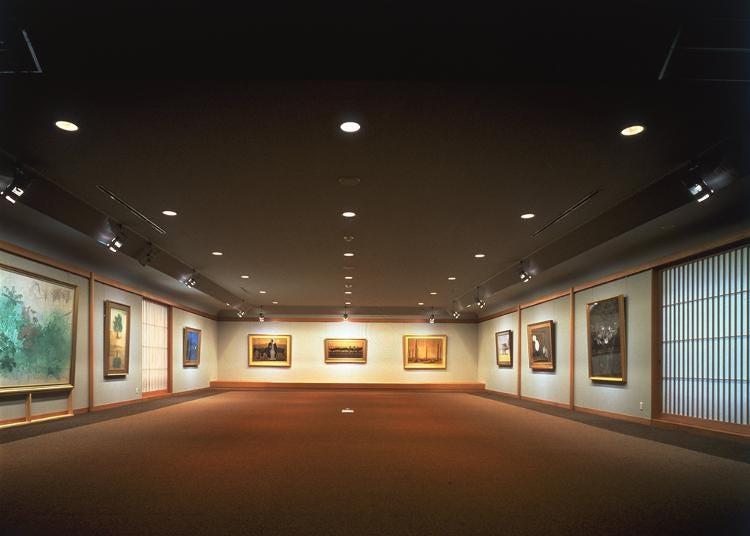 第2位:成川美術館