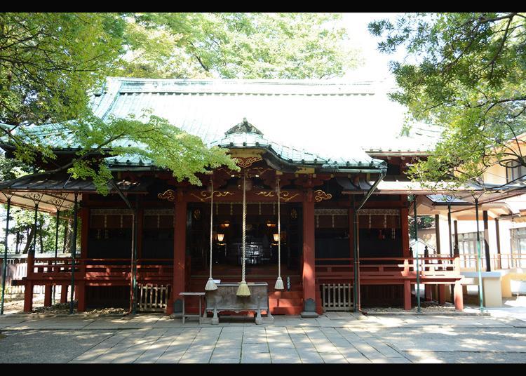8. Akasaka Hikawa Shrine