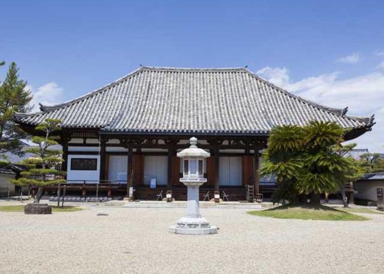 7.Hokkeji Temple