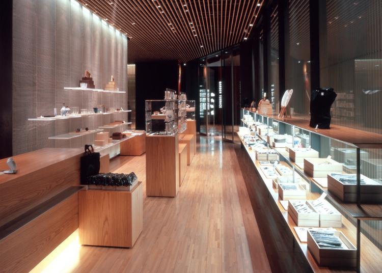 4.Suntory Museum of Art