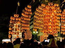 8月3日~6日:秋田竿燈まつり