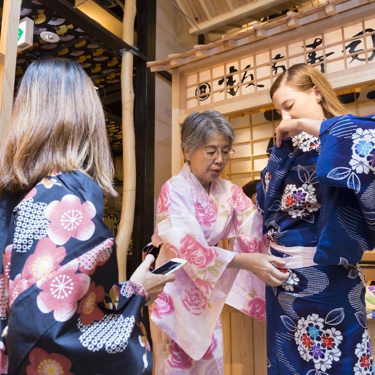 【Free KIMONO trial】可以穿着和服在「寿司屋台」前拍照!-体验日本文化的摄影留念