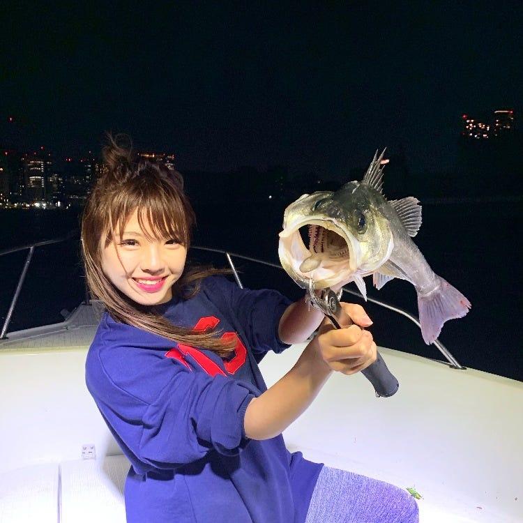 从东京站乘火车10分钟即可抵达码头! 钓鱼是一项非常简单的活动!