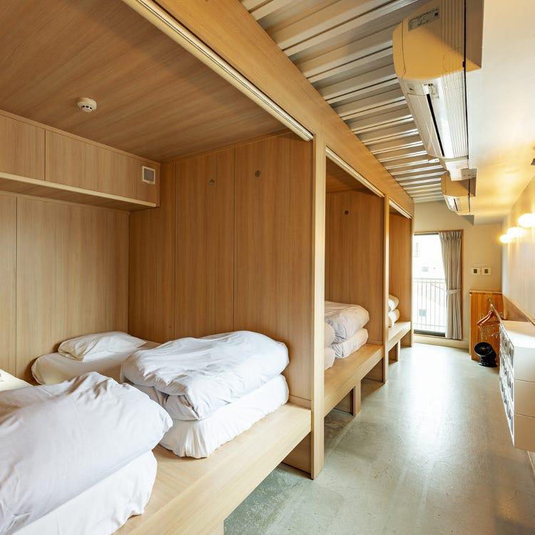 Semi-private twin room
