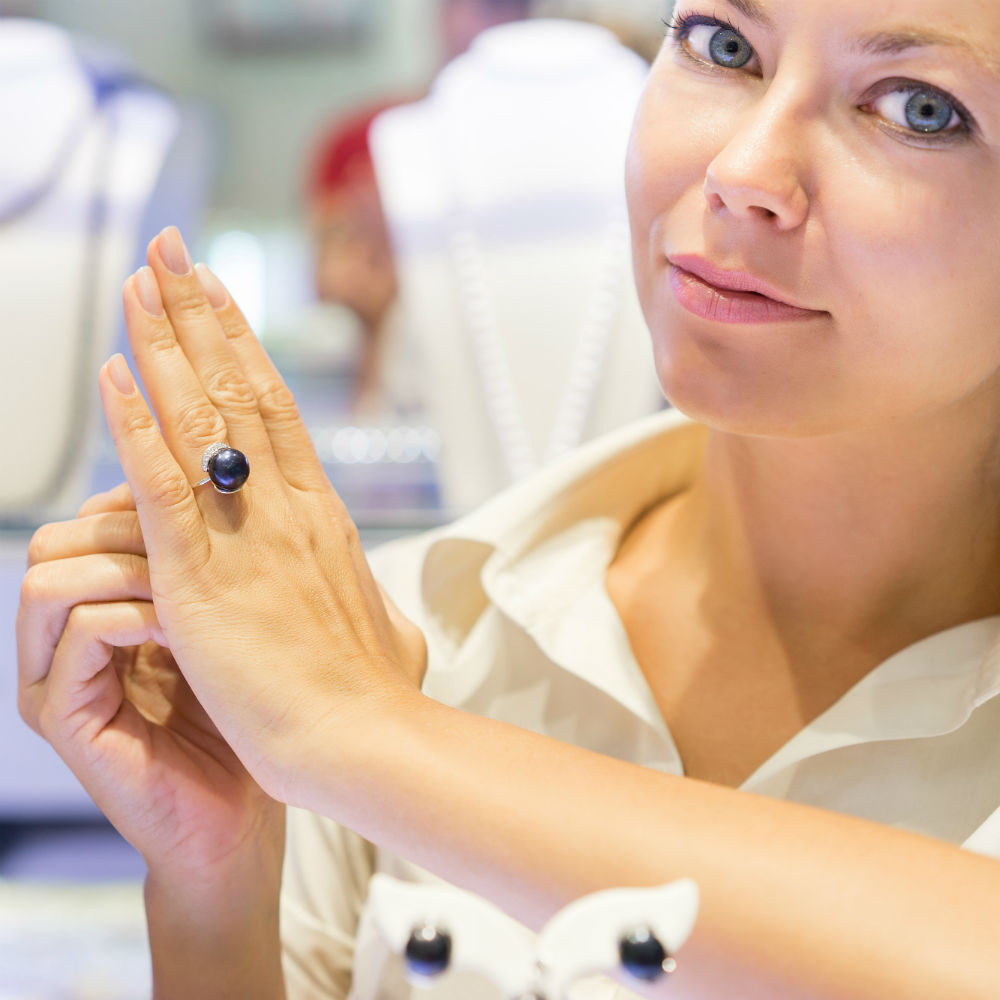 Jewelry Stores and Watch Shops