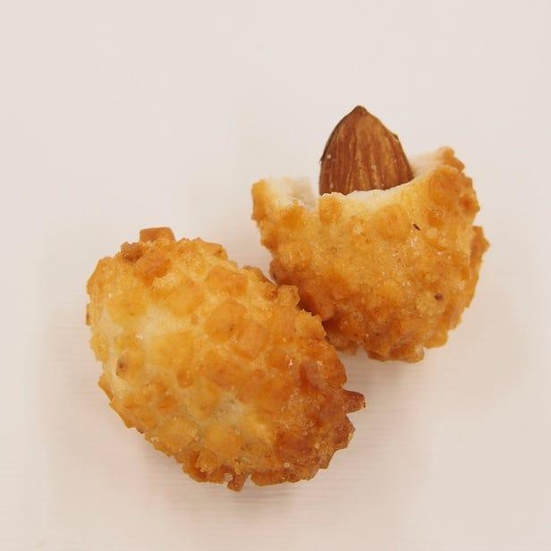 Keio (5 pc.), a popular roasted okaki wrapped around a whole almond before baking