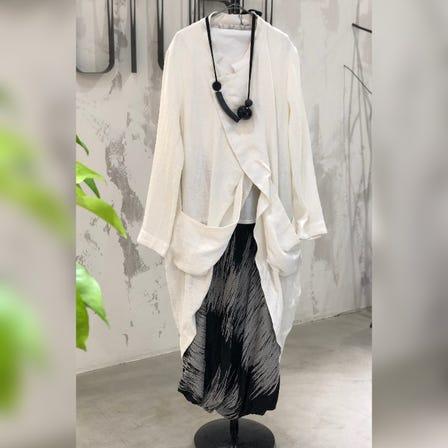 MOYURU<br /> <br /> 2021 Summer Collection<br /> <br /> Jacket   ¥48000<br /> <br /> Skirt      ¥45000