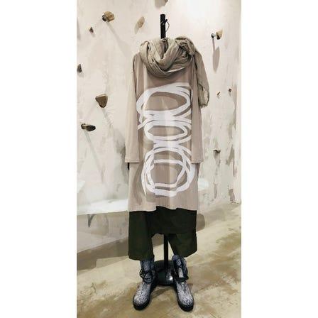 2021 AUTUMN & WINTER COLLECTION   ART PRINT TOP ¥22000  ART DESIGN PANTS ¥23000