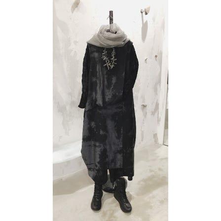 2021 AUTUMN & WINTER COLLECTION   ART DESIGN TOP ¥23000  ART DESIGN DRESS ¥49000  ART DESIGN PANTS ¥43000