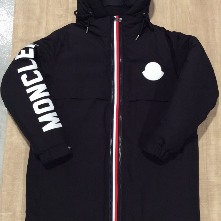 MONCLER<br />