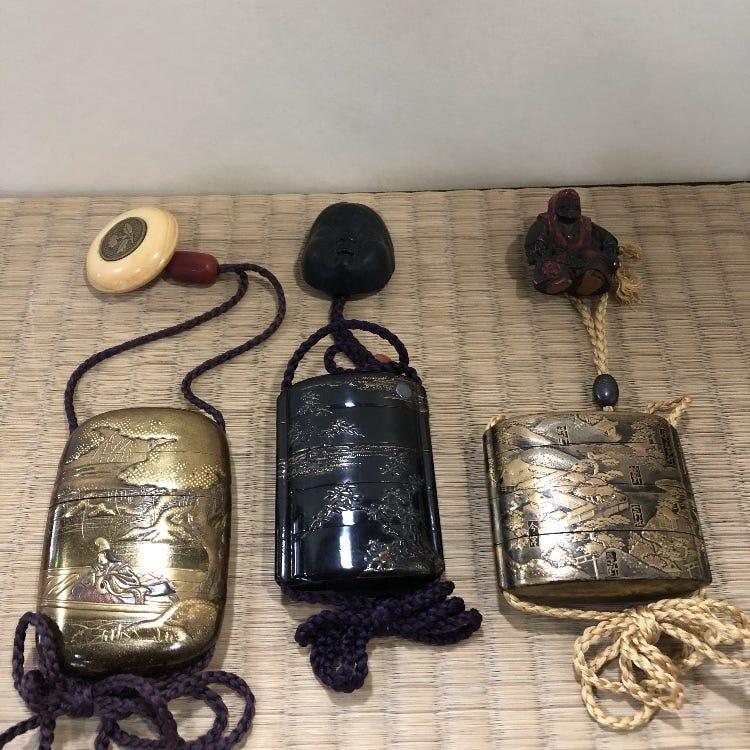 Inro (pill box)