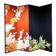 客製屏風<br /> 將值得紀念的和服、腰帶、書法等以客製方式製為屏風。