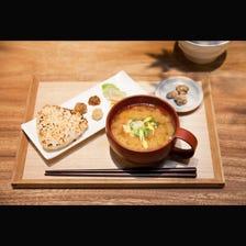 純味噌湯加烤飯糰套餐組合