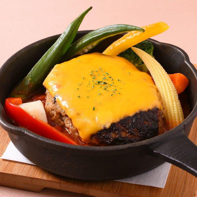seasonal vegitables and hand-made cheese hamburger with Arabica sauce