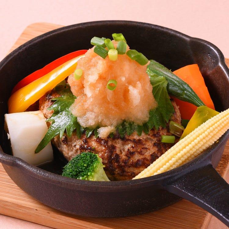 Hamburg steak with grated Japanese radish and seasonal vegetables