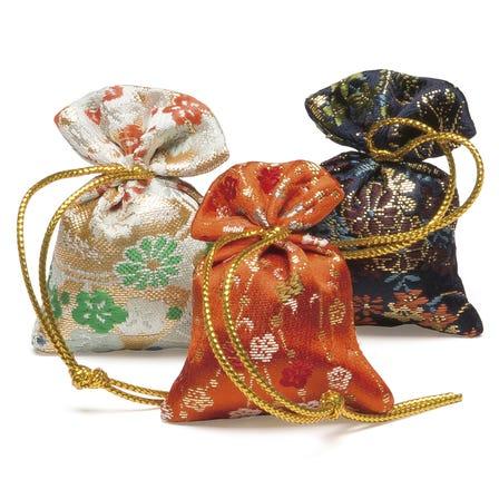 誰之袖 都 大 3個裝<br /> 飄散華麗香氛後餘留優雅香氣的香氛袋。