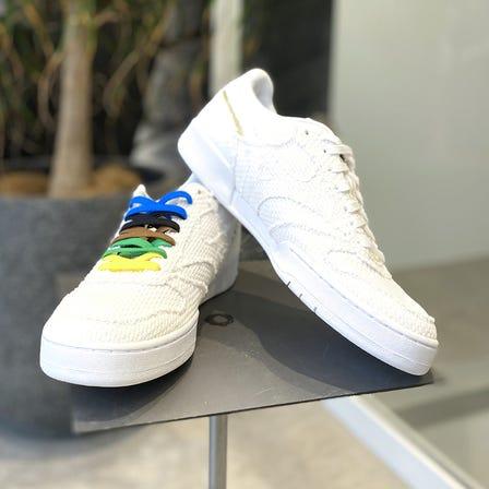 CITY WIND 柔道衣をモチーフとした素材のスニーカー!(青もあります!) 柔道の帯を思わせる5カラーのシューレース付きです。  #mizuno #judo #city_wind #sneaker #unisex