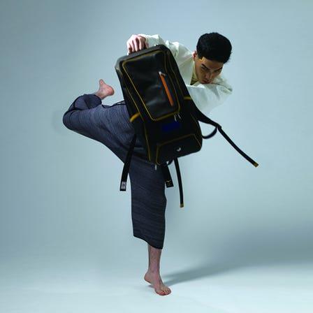 バックパック / 20リットル master-piece x MIZUNO Collaboration Series 野球グラブの革をパーツに使用したmaster-pieceとのコラボモデル。  #mizuno #backpack #master-piece #glove_leather #made_in_japan