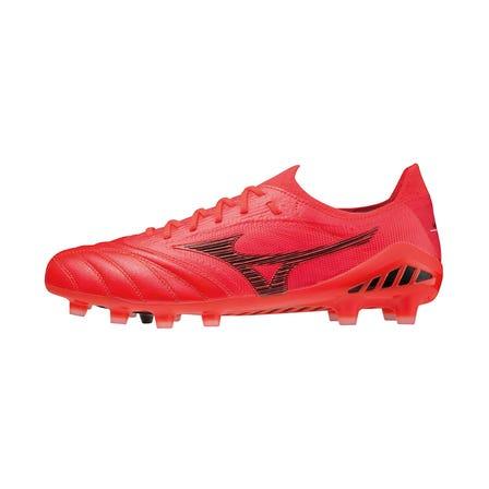 MORELIA NEO lll β JAPAN / SOCCER SPIKE 袋鼠和針織的融合創造了一種新的赤腳感覺。 MORELIA NEO的第三代特殊型號。  #mizuno #mizuno_football #morelia #igniton_red_pack #made_in_japan