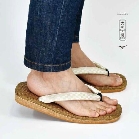 SETTA C/6 SETTA,古老的日本製鞋履和最新技術的融合。 SETTA鞋墊內部使用碳纖維增強塑料。