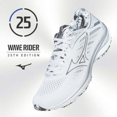 "WAVE RIDER 25 SP / RUNNING SHOES 紀念 25 週年的高級錶款的設計靈感來自想像宇宙的""銀色""和""大理石圖案""。  #mizuno #wave_rider #runnning #runnning_shoes #unisex"