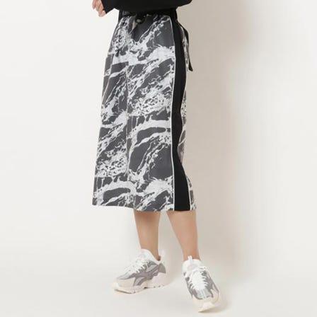 STRETCH SKIRT 使用弹性和防水性极佳的弹力梭织面料制成的裙子。  #MIZUNO #stretch #skirt #for_women