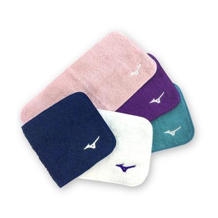 今治ハーフハンカチタオル 直営店限定の今治ハーフハンカチタオルが登場。 長方形サイズのコンパクトサイズで、折りたたんで小さく持ち歩けます。  #mizuno #imabari #imabari_towel #made_in_japan #handkarchief #towel #limited