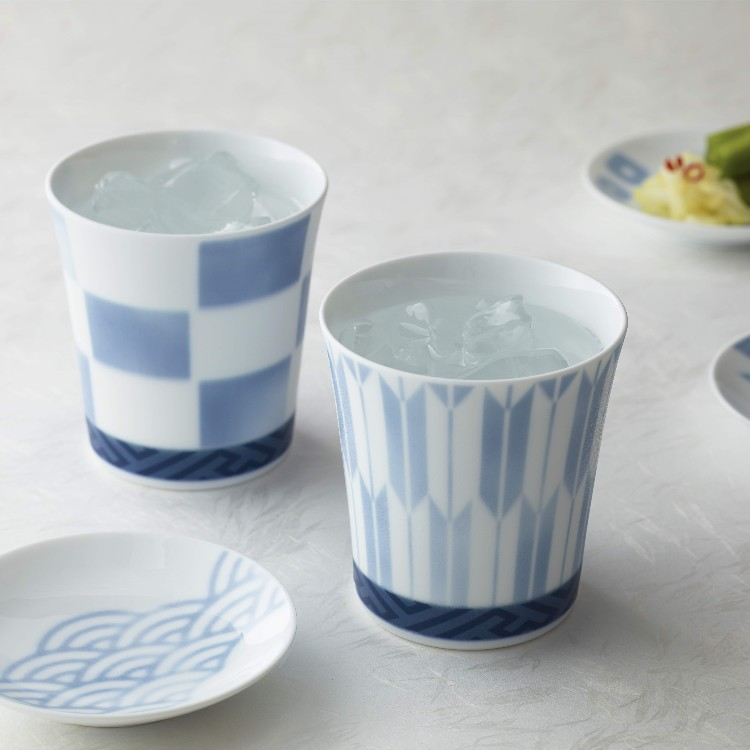 This is a tumbler that designed modern Japanese traditional patterns.<br />