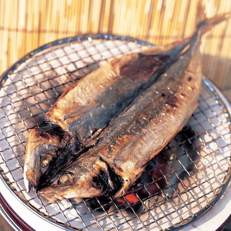 """伊豆诸岛特产品""""咸鱼干""""<br /> 臭鱼干大约在四百年前流传到伊豆群岛,日文称为""""KUSAYA"""",它具有独特的香气和风味,适于长期保存。"""