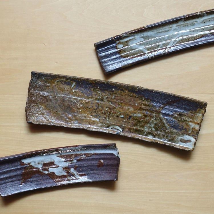 Tomasugama, Tomoo Kawabe, Kawasemi, pottery long plate