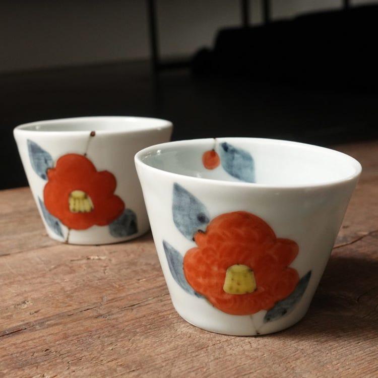 Kutani ware,  Kutani seiyo,Yuushin Tokunaga,camellia pattern with colors, porcelain sobatyoko
