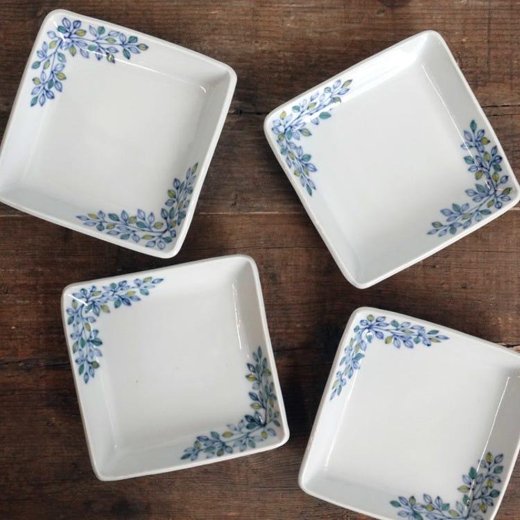 Kutani ware,  Kutani seiyo,Yuushin Tokunaga,little leaves  pattern with colors, porcelain square plate