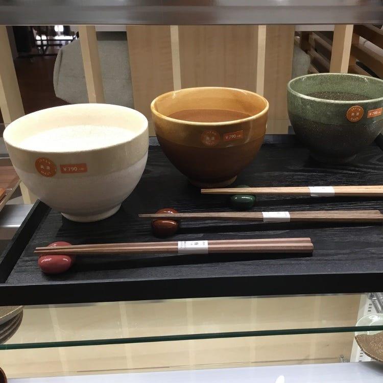 Japanese tableware, chopsticks, rice bowls, and plates