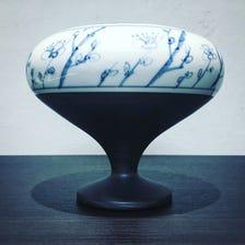 瀨戶潔具,手繪香爐。手繪圖片製作的傑作,採用傳統工藝烘焙而成。